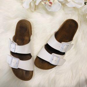🎀NEW LISTING🎀 Betula white sandal